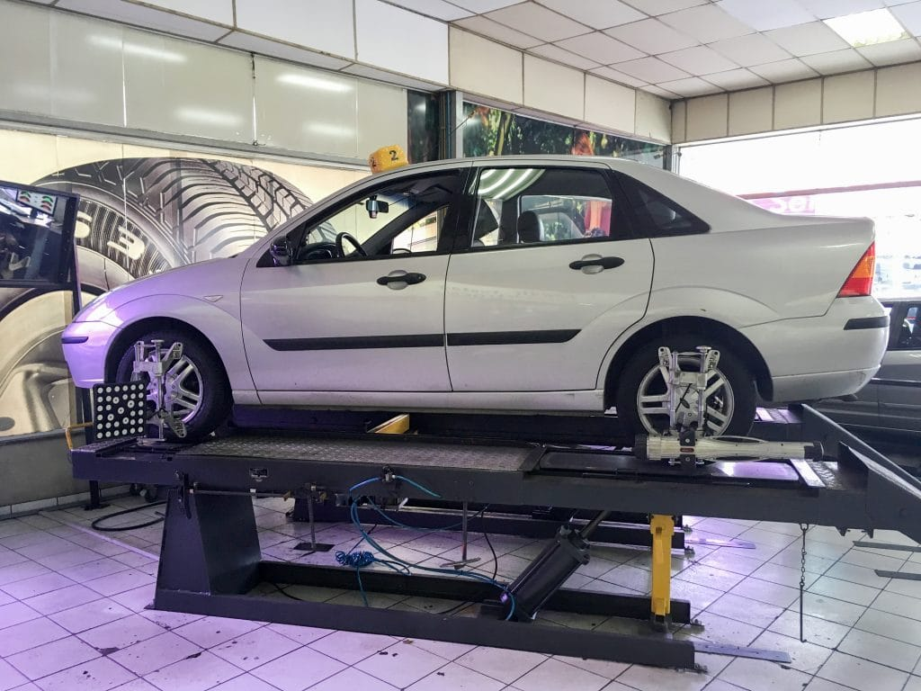 Wheel alignment on a Ford Focus 3