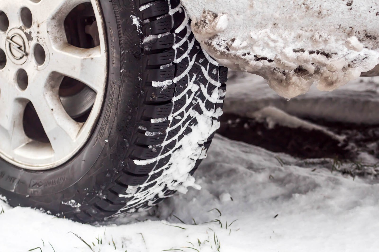 Car snow tire