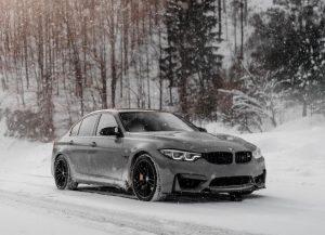 Passenger vehicle using snow tires