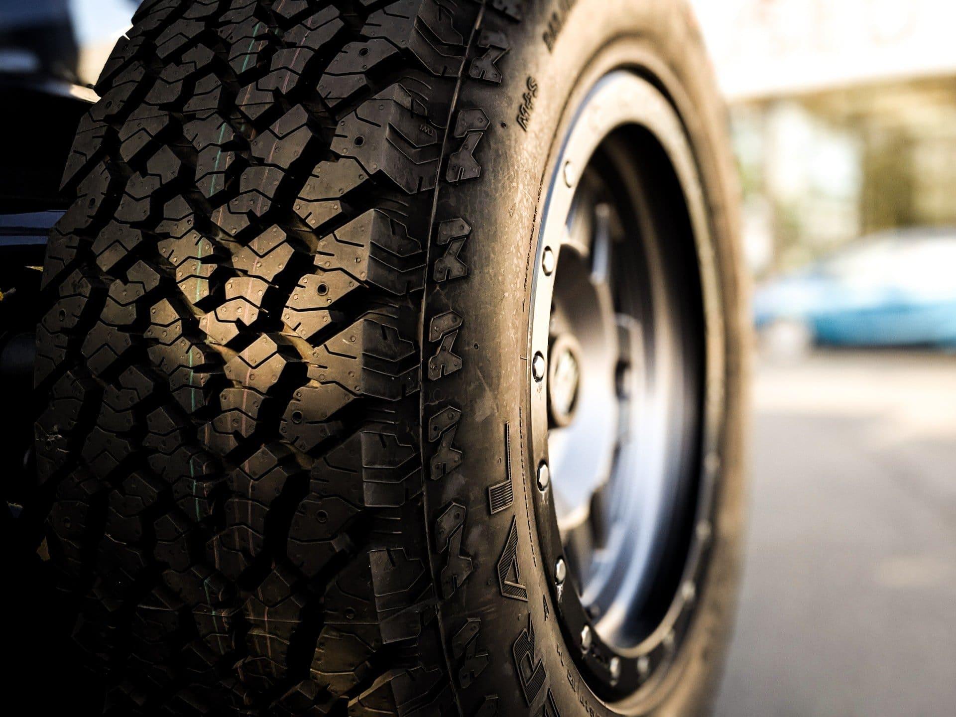Best Tires for Chevy Silverado 1500 Trucks: Top 2021 Picks